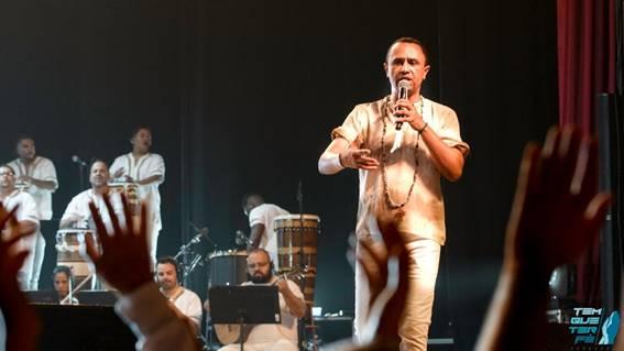 No próximo domingo 14/06/2020 o tradicional teatro Gamaro localizado em São Paulo, realizará a live do cantor Sandro Luiz Umbanda.