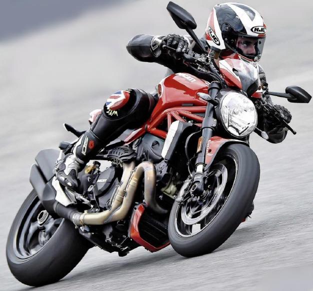 motorcycle modification 2016 ducati monster 1200 r review lighter sharper. Black Bedroom Furniture Sets. Home Design Ideas