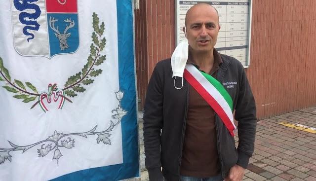 Italian mayor Gianluca Bacchetta rebels against Giuseppe Conte's decisions: 600 km on foot to Rome