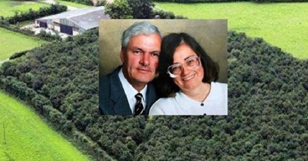 В память своей любимой жене, этот мужчина посадил 6000 дубов. Через 20 лет все поняли, зачем