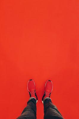 Gambar Wallpaper WA Bertema Merah