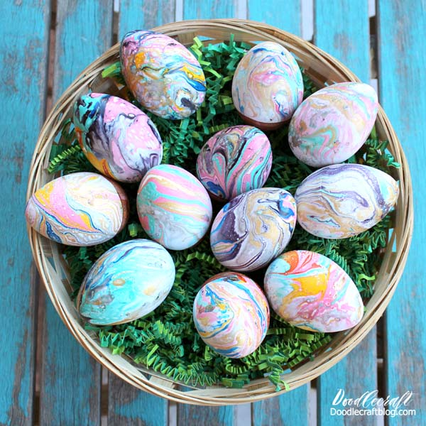 Marbled Easter eggs using EasyMarble from Marabu