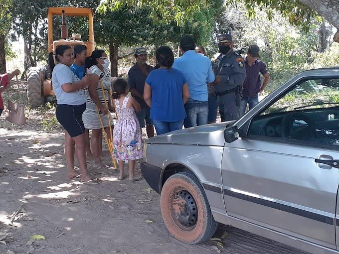Vereador tenta  impedir  prefeitura de trabalhar no Assentamento da Forquilha do Rio Manso e é Polícia Militar é acionada