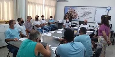 Secretaria da Educação de Marilândia realiza encontro formativo com monitores e motoristas do transporte escolar.