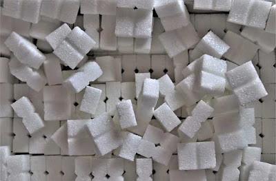 أضرار السكر الأبيض على البشرة والصحة