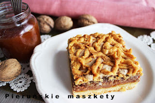 http://pierunskiemaszkety.blogspot.com/2016/05/niebianskie-ciasto-kruche-z-orzechowa.html