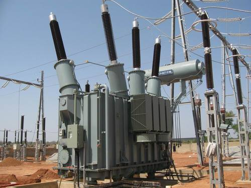 What are the Basic Characteristics of an Ideal Transformer?