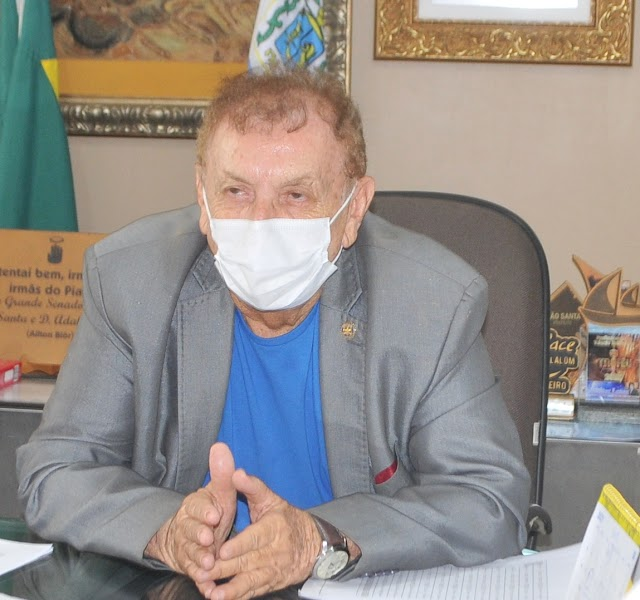 Prefeito Mão Santa destaca o esforço dos profissionais da saúde municipal no enfrentamento à Covid-19 em Parnaíba