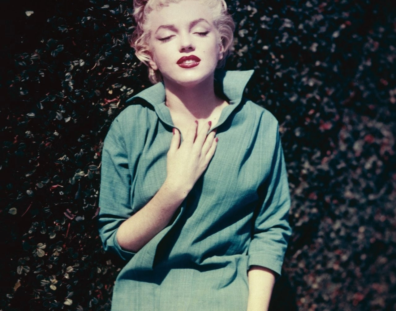 Beautiful Marilyn Monroe In Green Top Photographed By Ted -1242