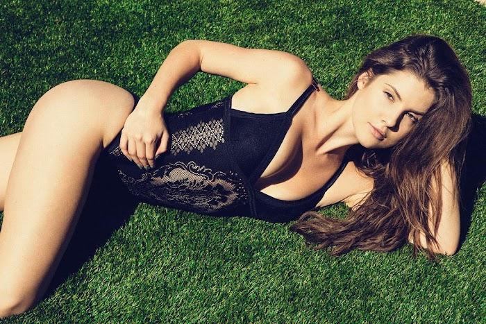 Amanda Cerny Sexiest Bikini pictures-Sensuous Instagram Photos