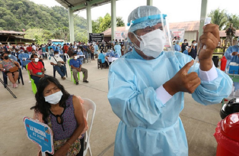Covid-19: vacunan a cerca de 13,000 pobladores amazónicos en menos de dos semanas