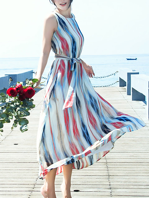 https://www.fashionmia.com/Products/round-neck-belt-printed-maxi-dress-213922.html