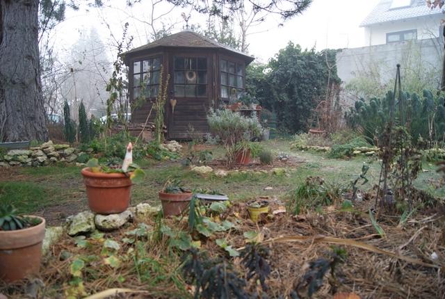 Reihenhausgarten mit Gartenhaus