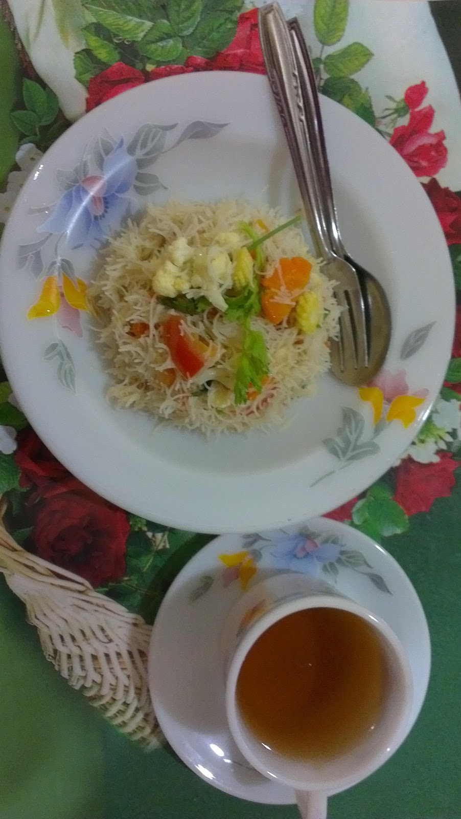 CAHAYA HIDUPKU: Mee Hoon Goreng Sayur Rampai ;-)