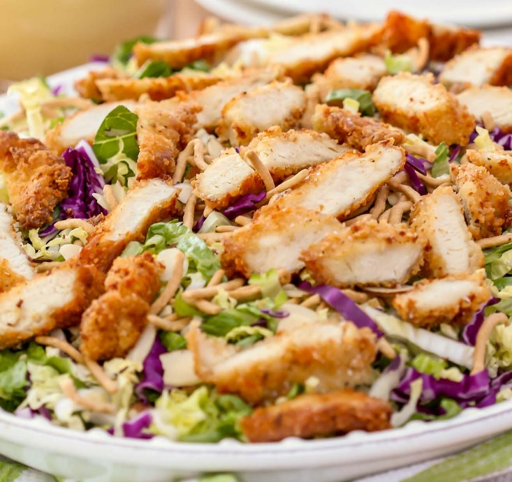 APPLEBEES ORIENTAL CHICKEN SALAD #vegetarian #easysalad
