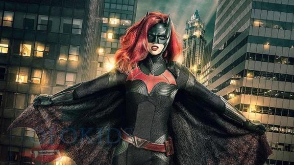 'Batwoman', da CW, será primeira heroína lésbica da televisão