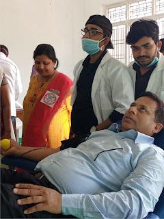 जरूरतमन्दों का जीवनदान है रक्तदानः राजेश वर्मा  | #NayaSaberaNetwork