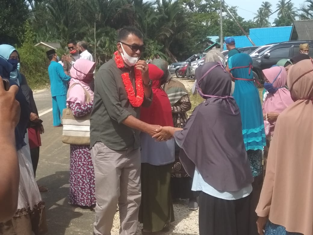 Paslon Bupati dan Wakil Bupati Natuna WS-RH Sapa Warga Desa Pian Tengah