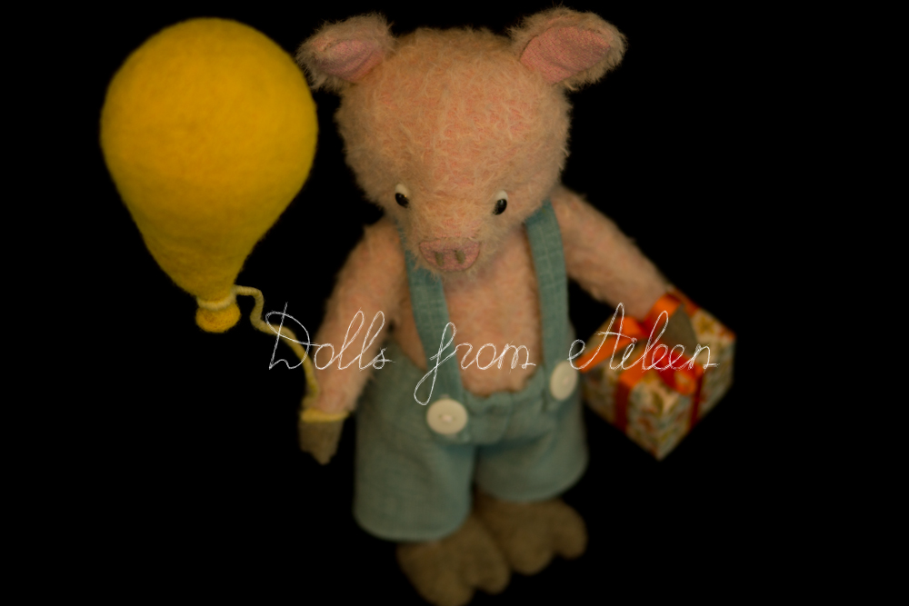 OOAK artist teddy pig holding balloon and gift
