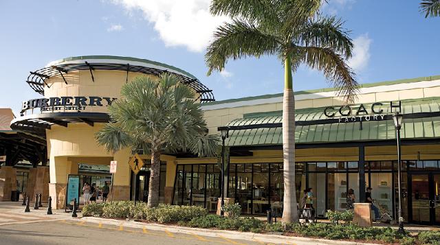 Lojas de roupas nos shoppings de Miami