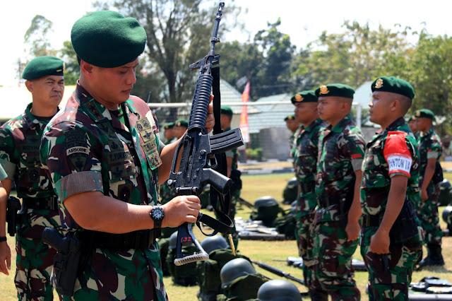 Pangdivif 2 Periksa Kesiapan Yonif PR 501 Kostrad Menjelang Latgab TNI