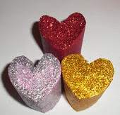 http://vctryblogger.blogspot.com.es/2013/01/carameleras-corazo-san-valentin-manualidades-reciclado-paso-a-paso.html