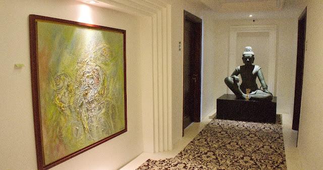 Les couloirs d'Arunreas dont la décoration reste dans l'esprit et l'âme de l'hôtel de luxe Arunreas