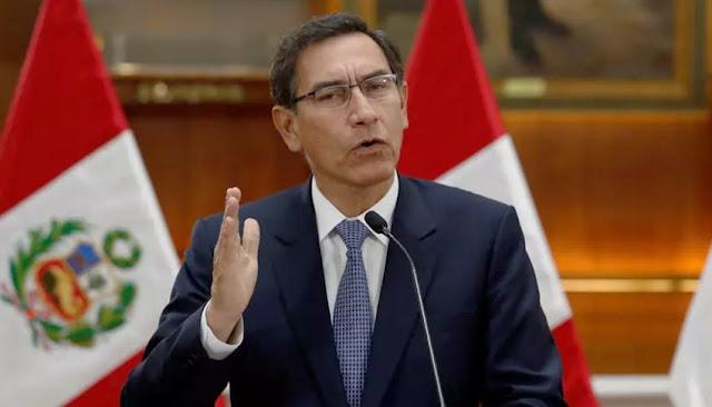 Presidente Martín Vizcarra participa de sesión plenaria por moción de vacancia.