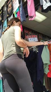 Chava leggins marcan buenas nalgas