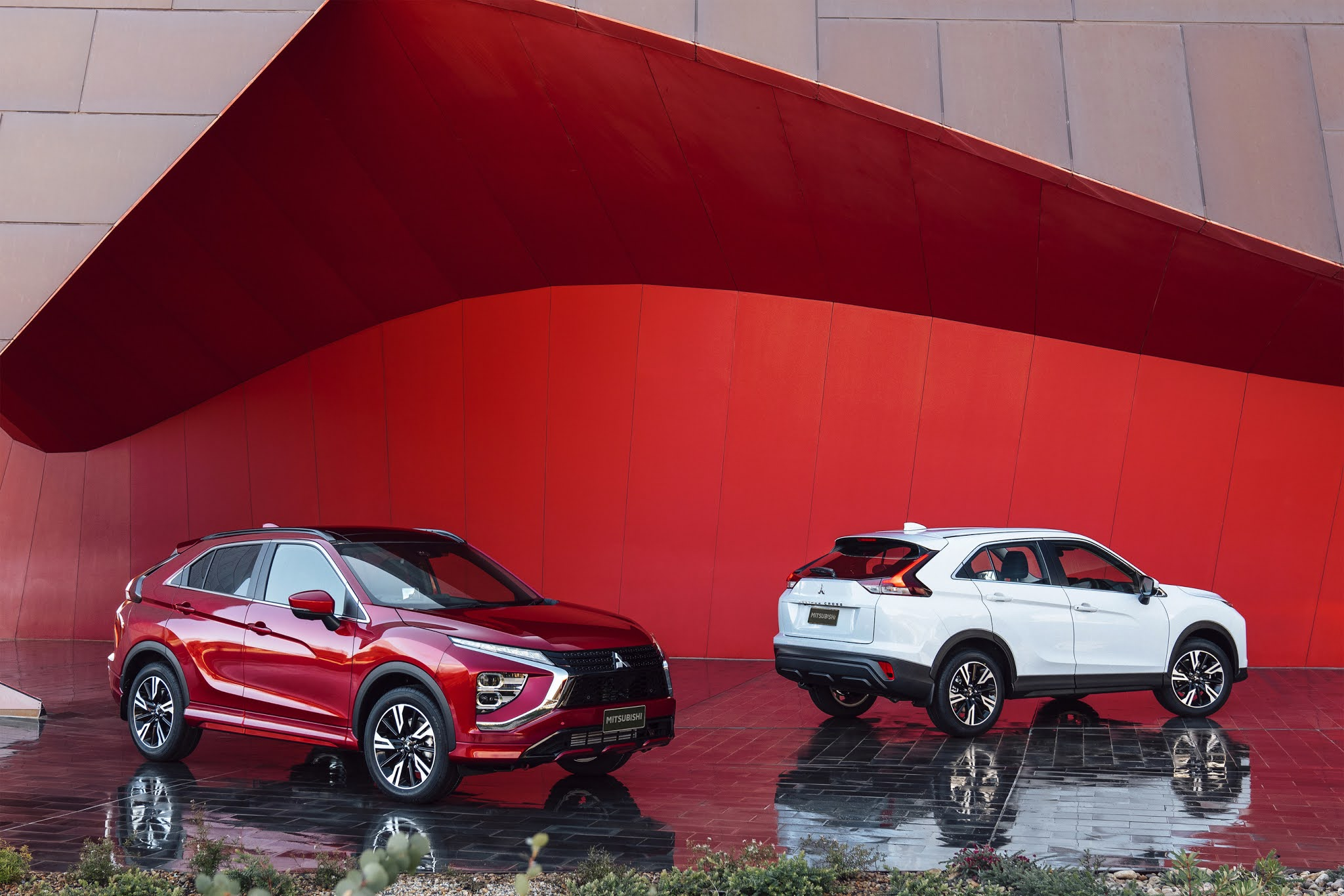 Mitsubishi Motors Unveils New Styling On 2022 Eclipse Cross