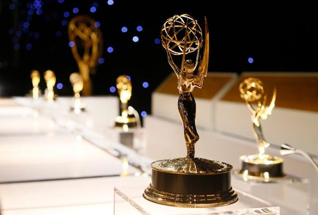 Los Lunes Seriefilos Funcionamiento Emmy