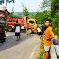 Ada Dump Truck Angkut Pasir Terguling Ditanjakan, Lalin Bantarbolang - Pekalongan Lumpuh
