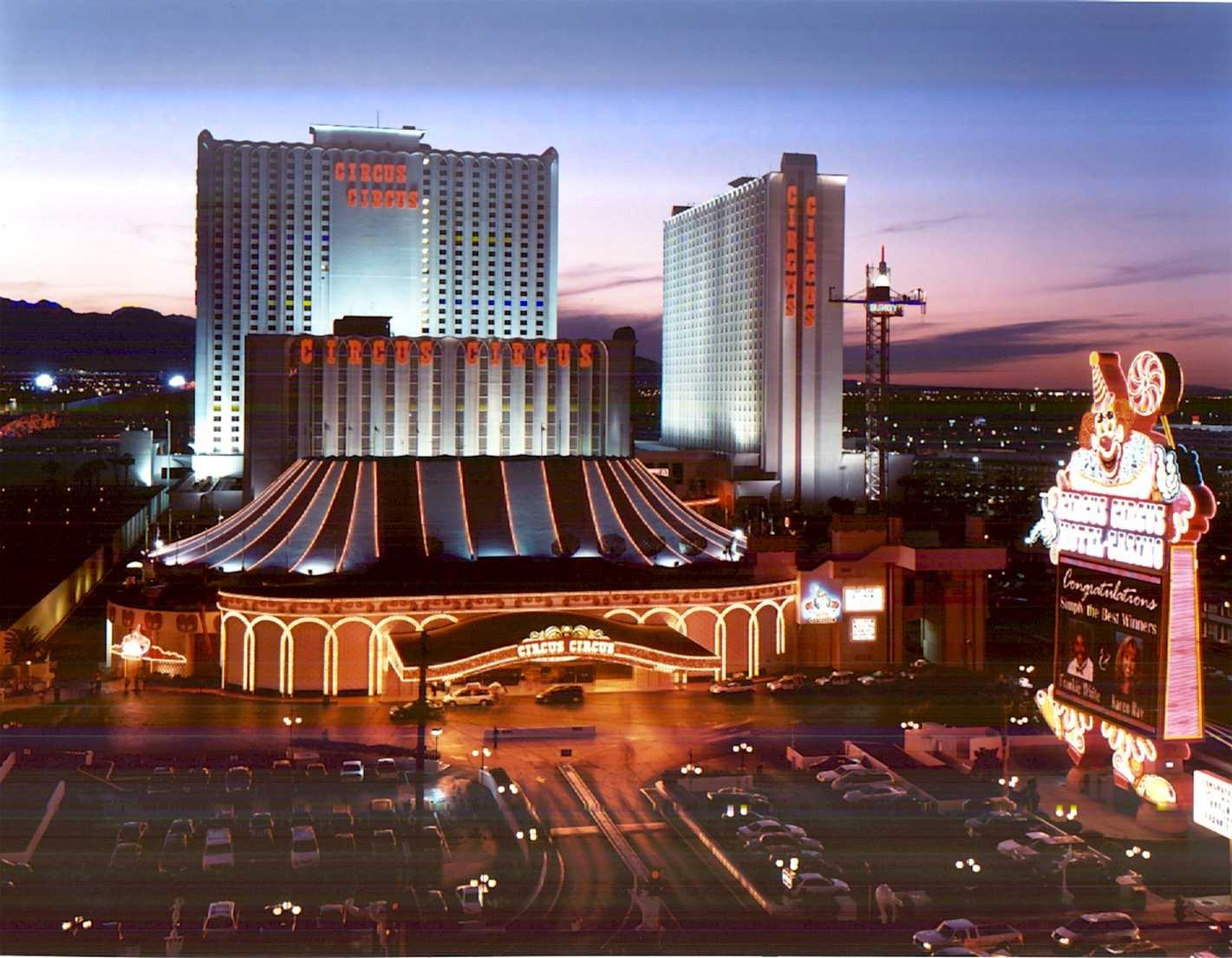 Largest casinos on vegas strip for