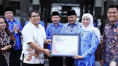 Gubernur Khofifah Raih Penghargaan Tokoh Perempuan Jawa Timur 2019 dari Times Indonesia