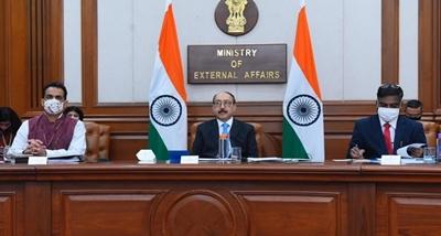 प्रथम भारत-फ्रांस-ऑस्ट्रेलिया त्रिपक्षीय वार्ता वस्तुतः आयोजित की गई