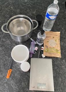 Ustensiles et ingrédients pour onctueux de douche