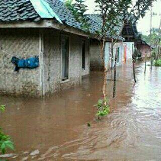 UKHUWAH ALFATAH RESCUE Di Bencana Banjir Garut