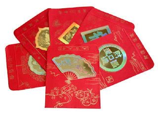 Использование красных конвертов фен-шуй для привлечения денег