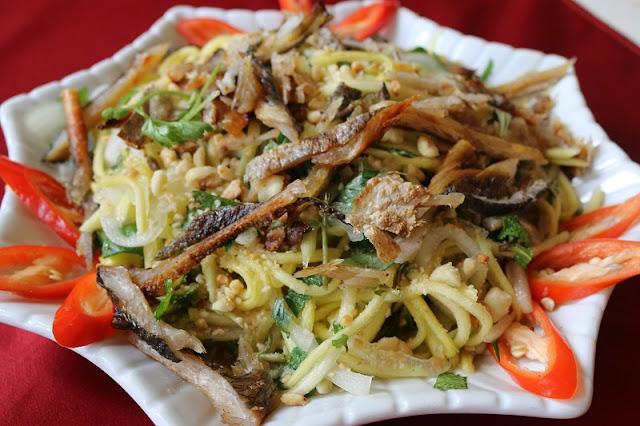 Top 5 Vietnamese Salads for hot summer days 2