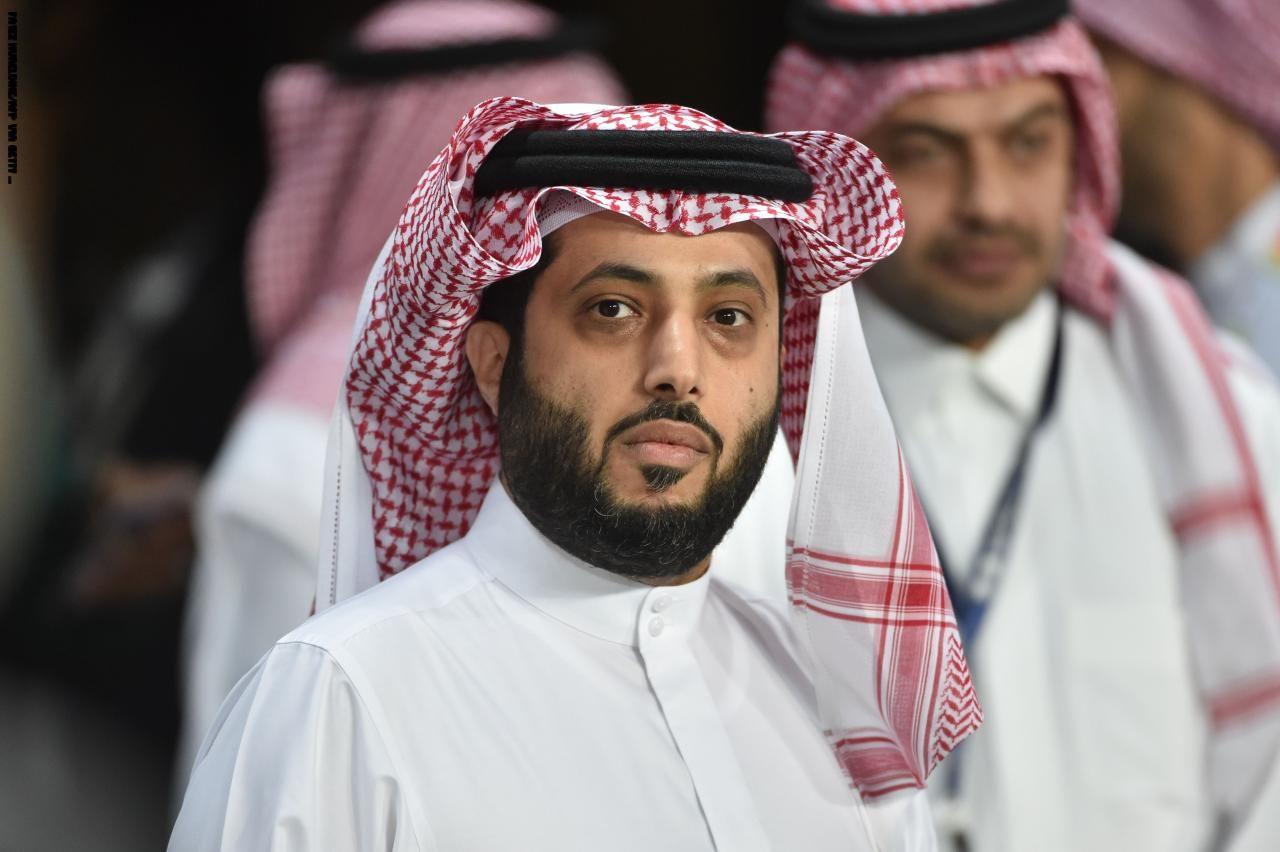 فنان يمني يثير غضب سعوديين.. وتركي آل الشيخ يرد
