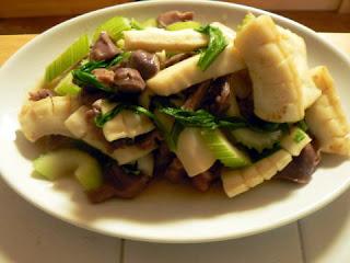イカと砂肝とセロリの炒め物
