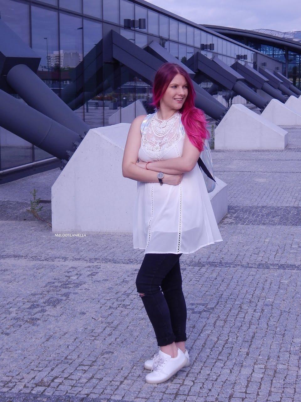 11 holograficzny plecak betterlook.pl farby venita różowe włosy jak pofarbować włosy kolorowe włosy ombre pink hair paul rich watches zegarek czarne jeansy z dziurami modna polka lookbook