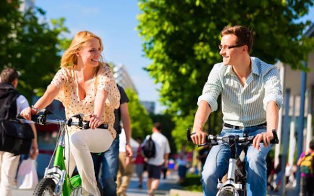 Бывает ли дружба между мужчиной и девушкой: 3 истории и мнение психолога