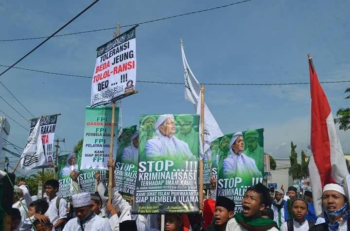 "Islam di Indonesia Sedang ""Dilemahkan"", Presiden Nusantara Foundation: Jaga Persatuan & Kebersamaan!"
