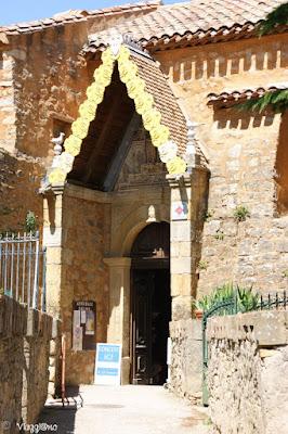 Ingresso della Chiesa di Santa Maria Maddalena a Rennes le Chateau