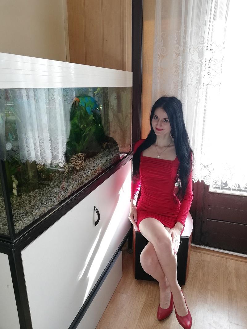czerwona sukienka bodycon