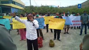 Formapera Desak DPRD Samosir Pansuskan Bupati Samosir