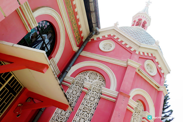 bowdywanders.com Singapore Travel Blog Philippines Photo :: Vietnam :: Nhà thờ Công Giáo Tân Định: Look At This Pink Church in Vietnam