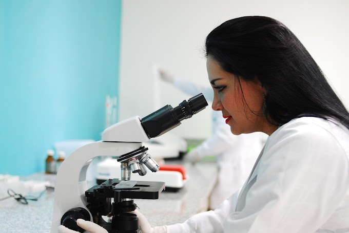 भारत का उभरता हुआ करियर ऑप्शन माइक्रोबायोलॉजी | Microbiology course details in hindi
