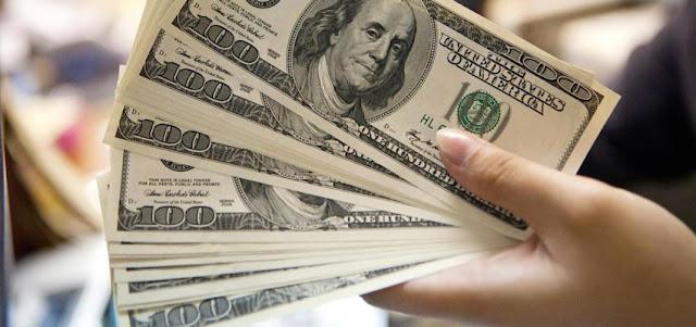 Dólar paralelo avanza hacia Bs.15.000 y el oficial abre este miércoles en Bs.13.763,08